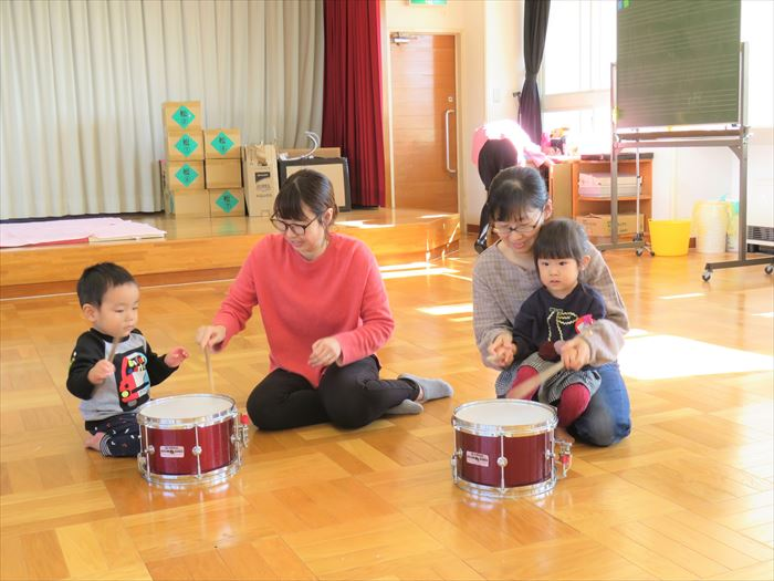 11月12日(火) にこにこ音楽隊がやってきた♪(ほし組)の写真